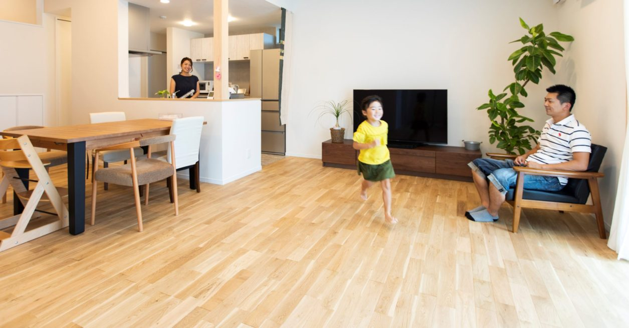 90坪の敷地に建つガルバの平屋<br /> 「時間にゆとりができたら家庭菜園でもしたいな」