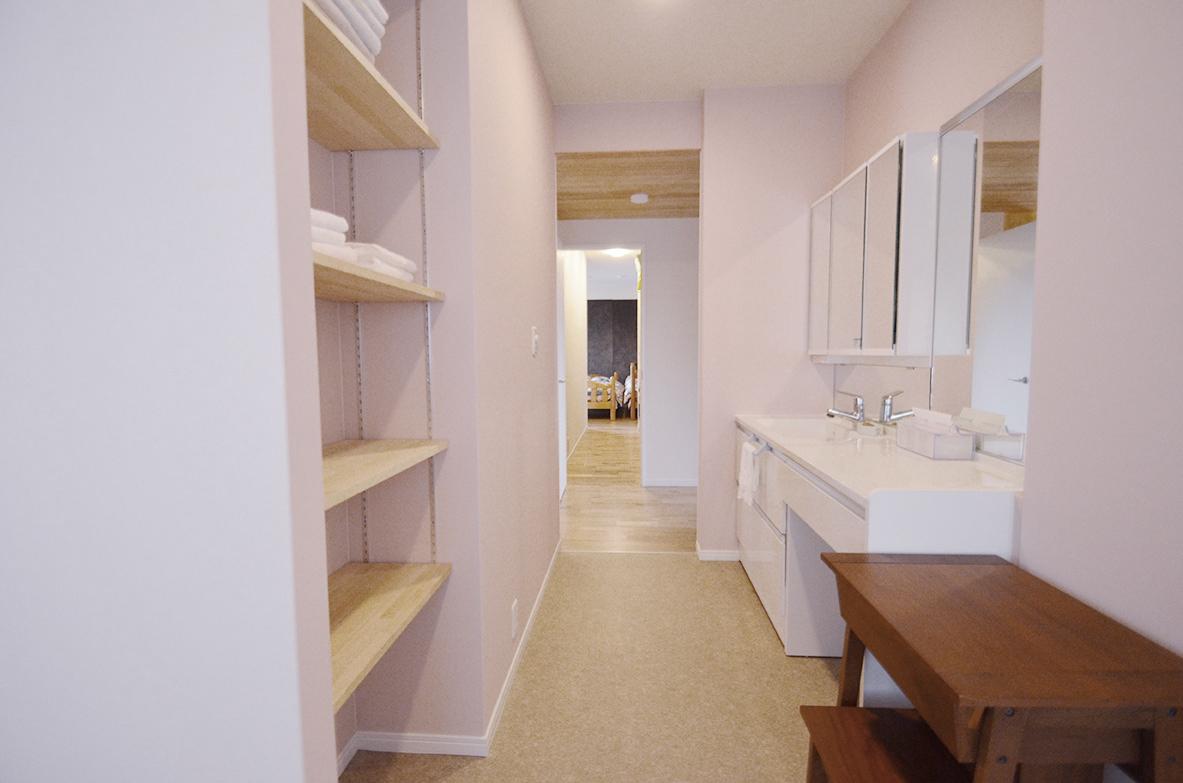 洗面所〜ウォークインクローゼット〜寝室までの動線